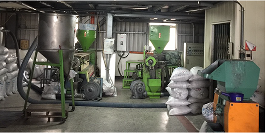 品茂企業社使用南亞、台塑原料生產塑膠粒以種塑料產品,車用膠條、一般修飾條、包鐵防水條、氣密條、防火條、防煙條之銷售與客製開發